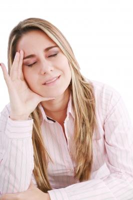 I sintomi tipici, della sindrome premestruale, li possiamo risolvere con le Essenze floreali.